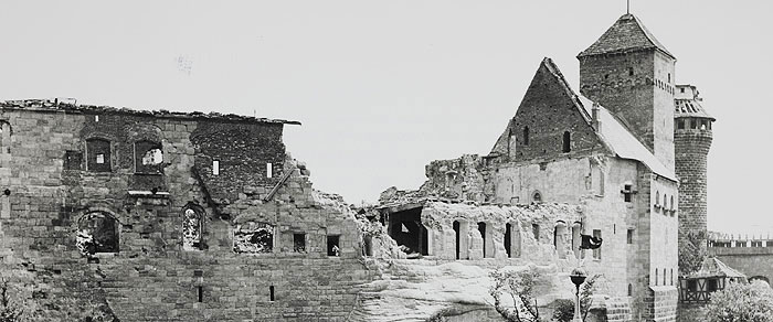 Picture: Damage to the Imperial Castle in the war